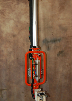 Airlift inline vertical lifter with custom engineered OD gripper and balance controls